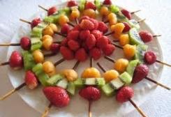 حلويات رمضانية سهله أسياخ الفواكه