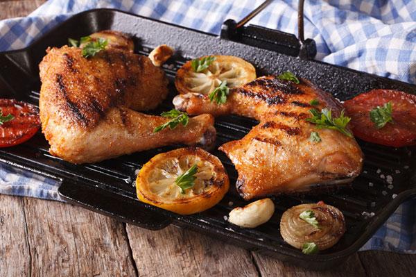 طريقة تحضير دجاج مشوي بالتتبيلة