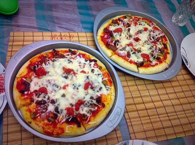 طريقة تحضير بيتزا باللحمة بالطريقة