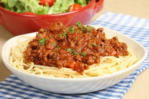 طريقة تحضير مكرونة الطماطم اللحم