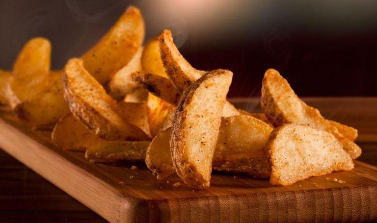 طريقة تحضير بطاطس ودجز سريع