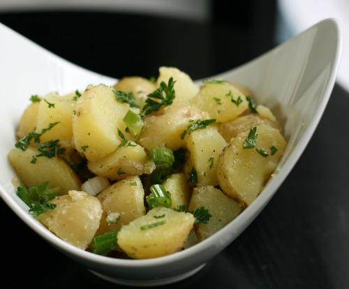 طريقة تحضير سلطة البطاطس المسلوقة