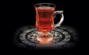 الشاي الاحمر اليمني منال العالم