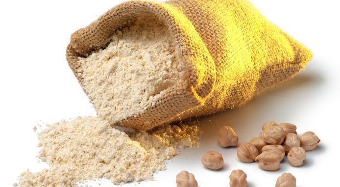 الخبز بطحين الحمص منال العالم