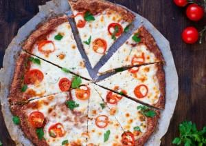 بيتزا الخضار بدون عجين منال