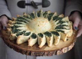 فطائر سبانخ لذيذه بالجبن الفرن